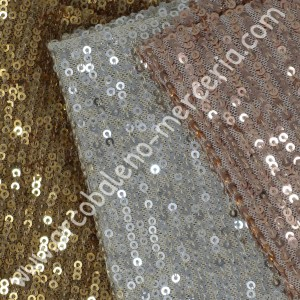 Tessuto in maglia elastica con paillettes