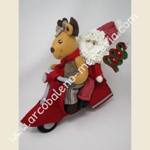 542 Vespa con Babbo Natale e renna