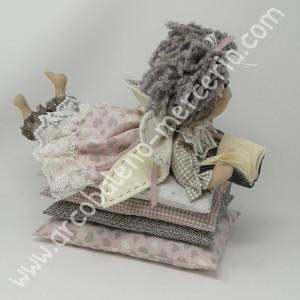 Angioletto serenella con i cuscini