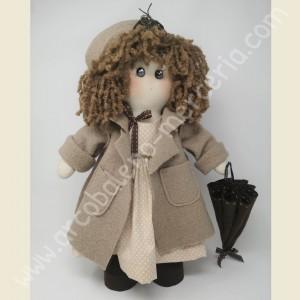 La bambola Marcella con l'ombrello